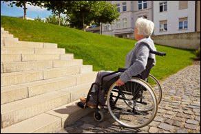 Sokunknak elengedhetetlen az akadálymentes lépcső